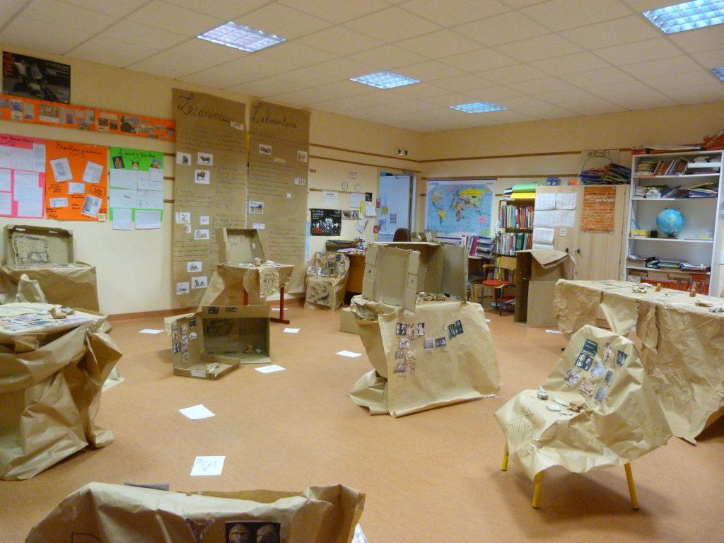 Fête de l'école: un classe transformée en musée de la préhistoire (01/07/2016)