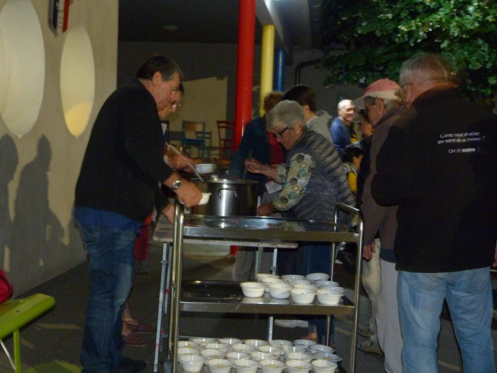 Soupe au fromage après la randonnée nocturne (02-07-2016)