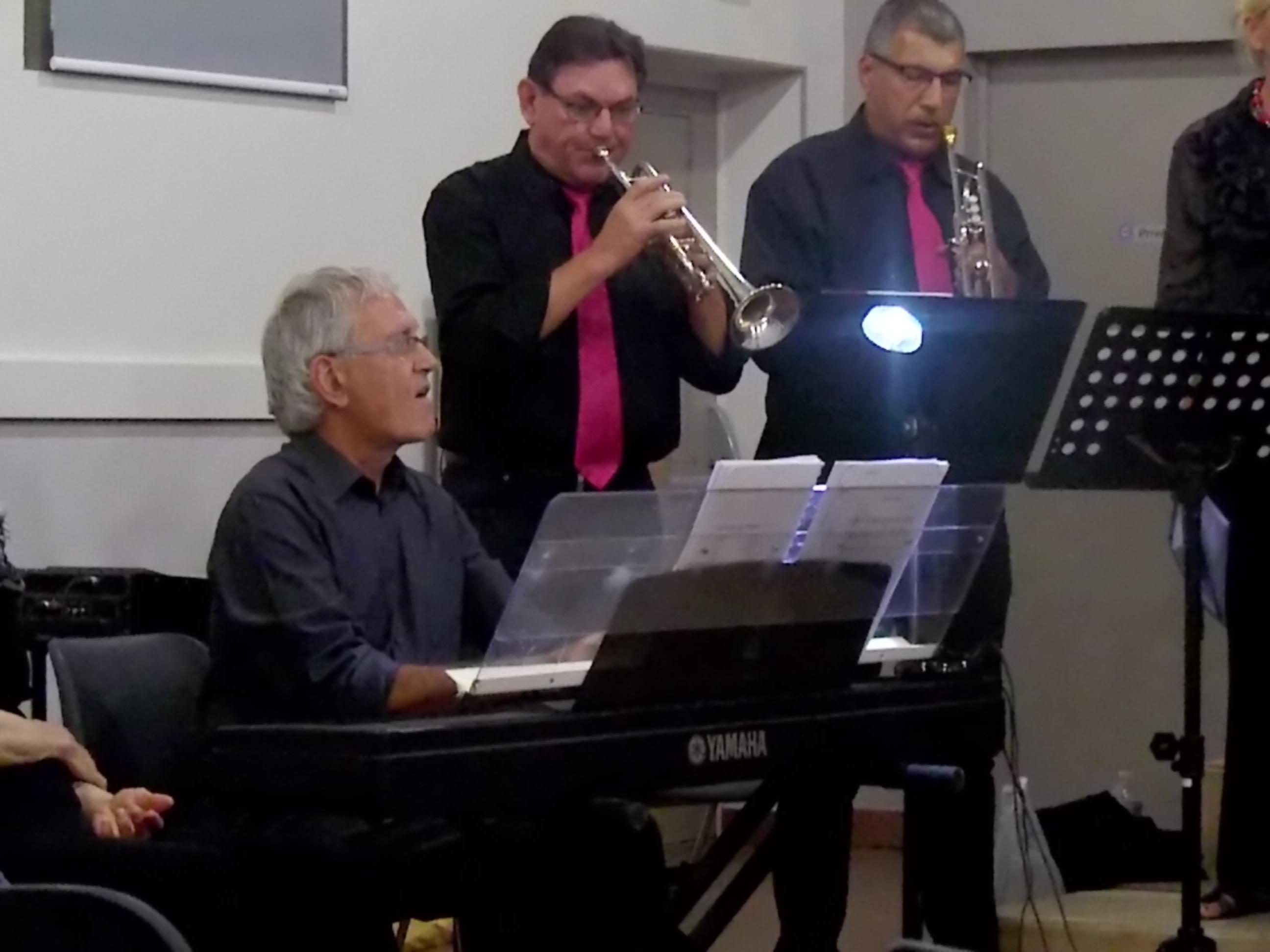 Les trompettiste et le pianiste a l'oeuvre