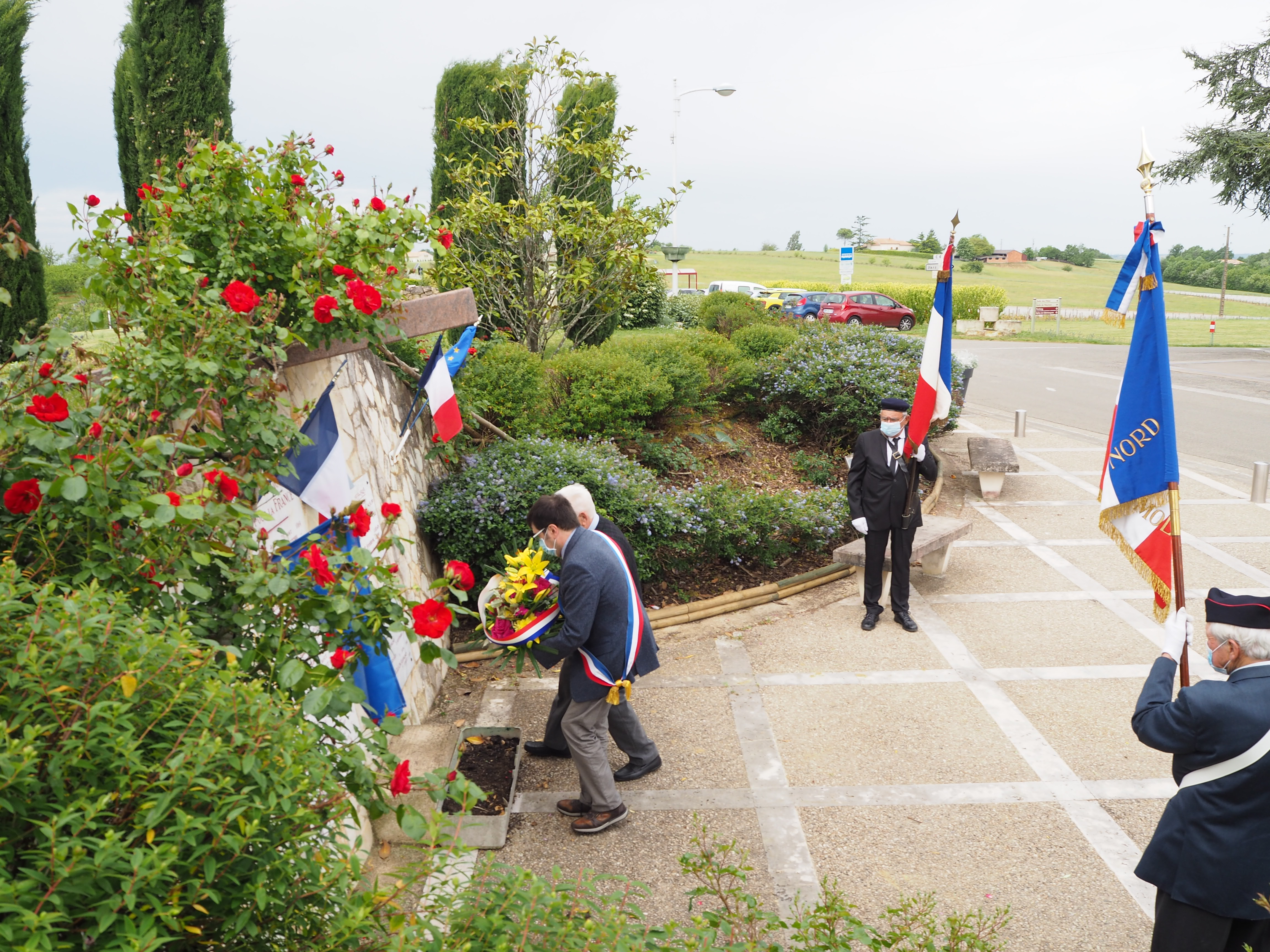 Cérémonie au monument aux morts le 9 Mai 2021